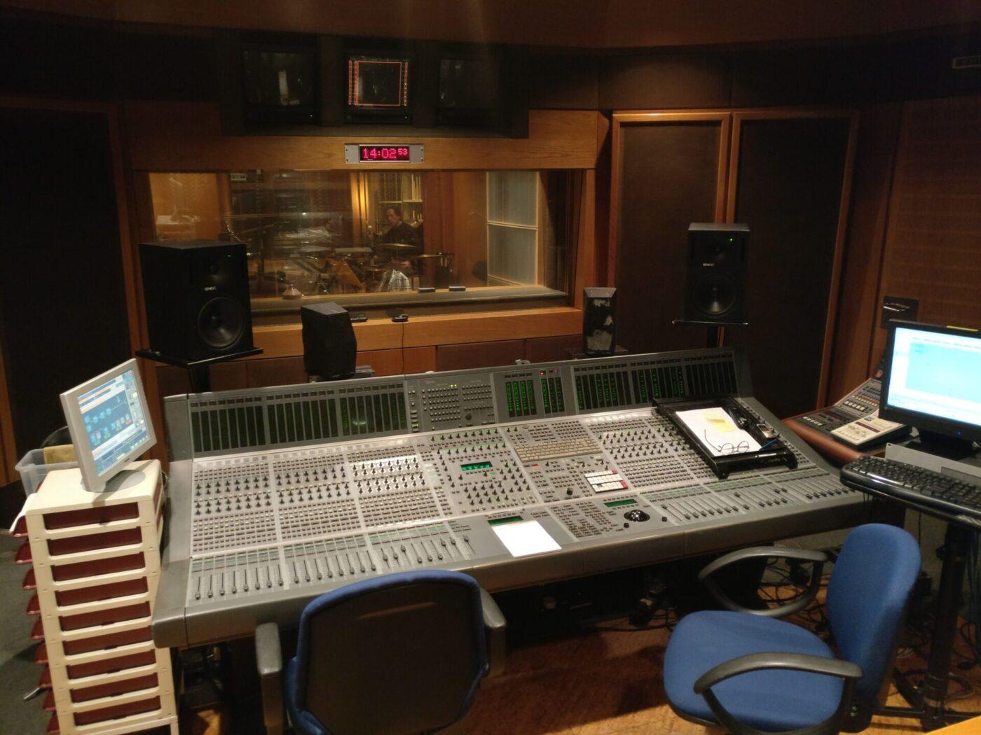 HXOGRAFIKO MMA - Control Room 160120